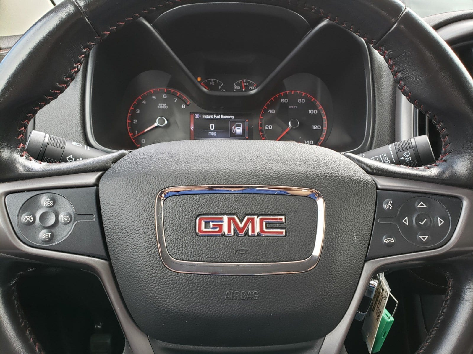 Pre-Owned 2016 GMC Canyon SLE