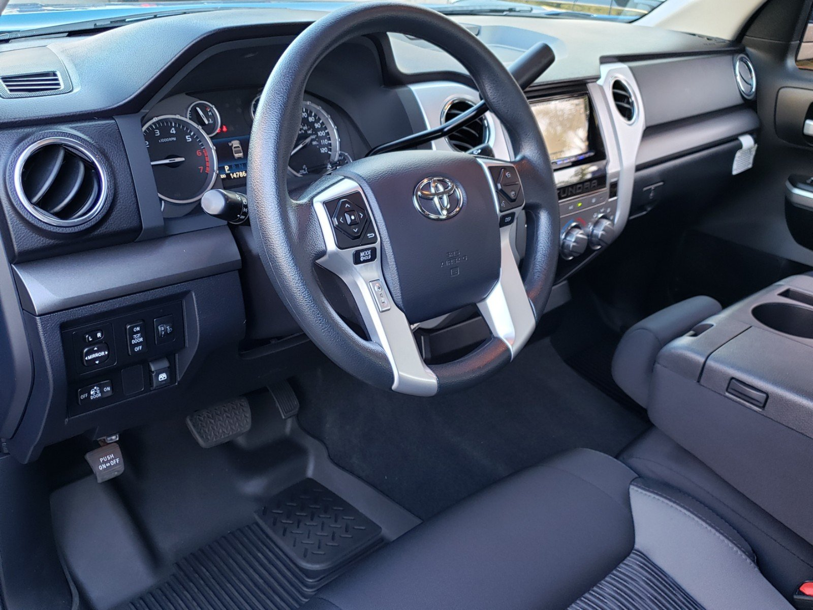 Pre-Owned 2017 Toyota Tundra