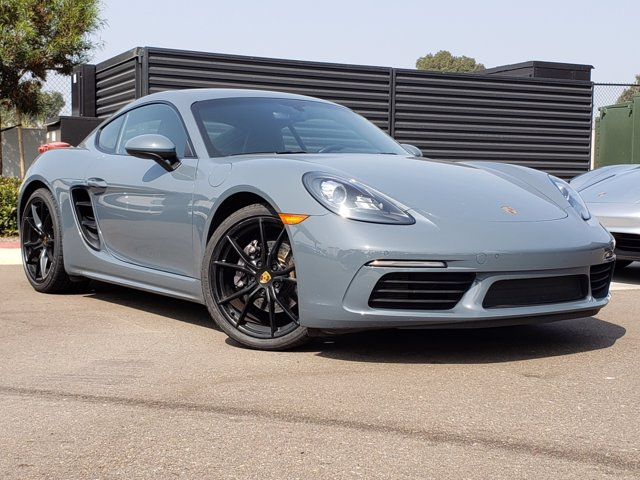 Certified Pre-Owned 2018 Porsche CAYMAN TIP