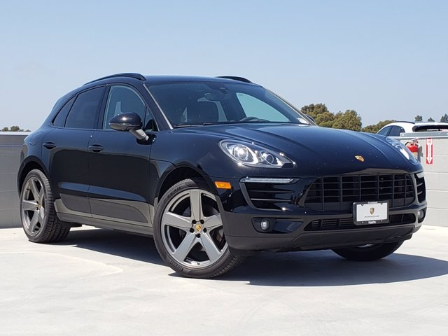 Certified Pre-Owned 2018 Porsche MACAN SPT EDIT