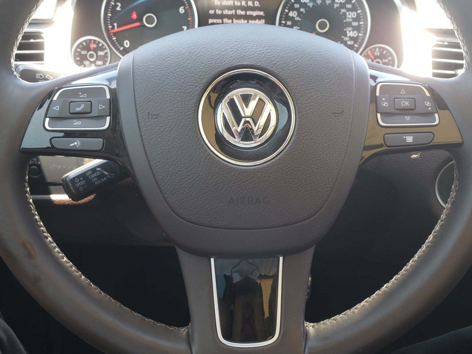 Pre-Owned 2012 Volkswagen Touareg Hybrid Base